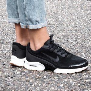 EUC Nike Air Max Jewell Se black sneakers 7